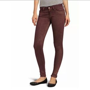 NWT Levi's low rise jegging jean magenta sparkle
